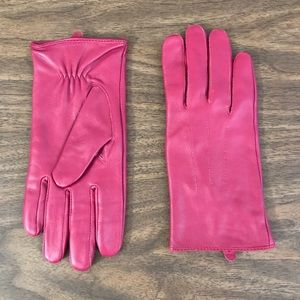 Accessories - Pink leather gloves